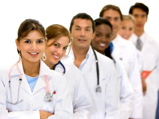doctors gender pay